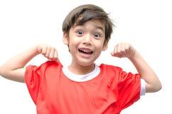 Weinig jongen is omhoog gekleed als superhero het vliegen stock afbeeldingen