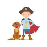 Weinig jongen in piraathoed en kaap die zich met hond bevinden Stock Afbeelding