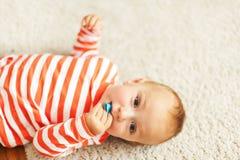 Weinig jongensportret Stock Foto's