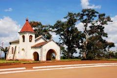 Weinig Katholieke kerk in de stad van Gurue Stock Foto