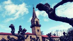 Weinig Kerk op Bergtoren Stock Afbeelding