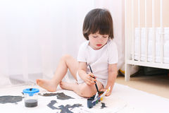 Weinig kind schildert Royalty-vrije Stock Afbeelding