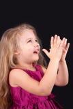 Weinig leuk meisje in een roze kleding Royalty-vrije Stock Afbeeldingen