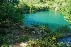 Weinig meer in Plitvice, Kroatië Stock Foto's