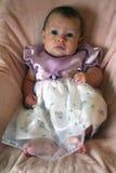 Weinig Meisje van de Baby in Kleding stock fotografie