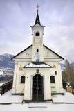Weinig oude kerk in de Oostenrijkse Alpen Royalty-vrije Stock Fotografie