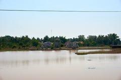 Weinig overzees in het midden van thakek Laos stock foto