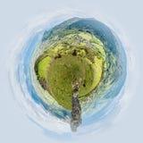 Weinig planeetmening van Panorama over Pierre-Chatel en zijn bergen in Isere in Frankrijk royalty-vrije stock foto