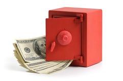 Weinig rode brandkast met dollarrekeningen Royalty-vrije Stock Fotografie