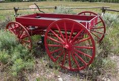 Weinig Rode Wagen stock foto's