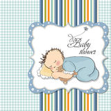 Weinig slaap van de babyjongen met zijn teddybeer Royalty-vrije Stock Foto