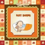 Weinig slaap van de babyjongen met zijn teddybeerstuk speelgoed Stock Fotografie