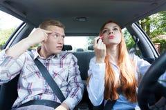 Weinig strijd in een auto Royalty-vrije Stock Foto's