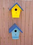Weinig Vogel huisvest stock afbeeldingen