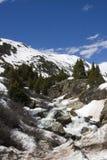 Weinig waterval in de berg Royalty-vrije Stock Foto's