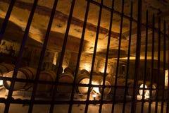 Weinkeller im Untertagesteinsteinbruch stockfoto