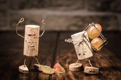 Weinkorkenzahlen, Konzept-Angestellter geraten in Schwierigkeiten stockbild