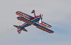Weinlese-Aerobatic Doppeldecker Stockfotos