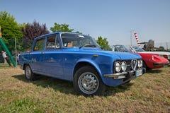 Weinlese-Alpha Romeo Giulia Nuova Super 1300 lizenzfreie stockfotos