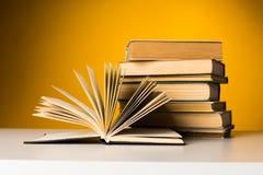 Weinlese-alte Bücher Stockbild