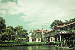 Weinlese-alter Palast in Thailand Stockbilder