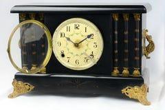 Weinlese-antike Umhang-Uhr Stockbilder