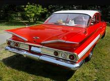 Weinlese-Auto, Chevrolet Impala, trägt Coupé zur Schau lizenzfreies stockfoto