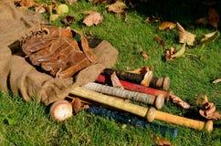 Weinlese-Baseballausrüstung stockfotografie