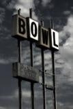 Weinlese-Bowlingspielzeichen (grunge) Stockfotografie