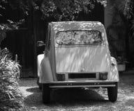 Weinlese-Citroen-Auto stockfoto