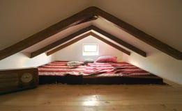 Weinlese-Dachboden Stockfotos
