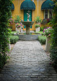 Das Garten infront ein Haus Lizenzfreies Stockbild