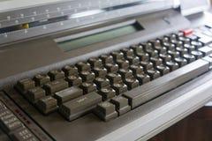 Weinlese-elektrische Schreibmaschine Lizenzfreie Stockfotos