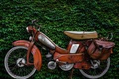 Weinlese-Europäer-Moped Lizenzfreies Stockfoto