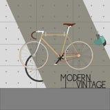 Weinlese-Fahrrad auf moderner Wand Stockfotos