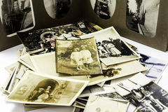 Weinlese-Familienfotos Stockbild