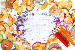 Weinlese farbige Bleistifte und Schnitzel Stockfoto