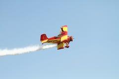 Weinlese-Flugzeuge mit einem Draufgänger Lizenzfreie Stockfotografie