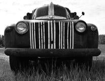 Weinlese Ford 1946 tauschen in Schwarzweiss lizenzfreies stockbild