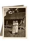 Weinlese-Foto-Mädchen und Haus Stockbilder