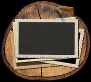 Weinlese-Foto-Rahmen auf Abschnitt des Baum-Stammes Stockbilder