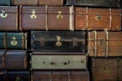 Weinlese-Gepäck stockfotos