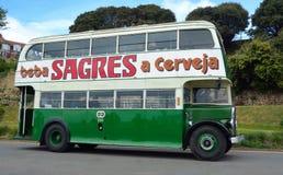 Weinlese grüner doppelter Decker Bus lizenzfreies stockbild