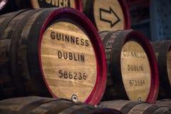 Weinlese-Guinness-Fässer lizenzfreie stockfotografie