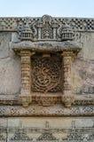 Weinlese in Handarbeit gemacht bei Adalaj Stepwell in Ahmedabad, Indien Lizenzfreie Stockfotos