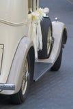 Weinlese-Hochzeits-Auto Lizenzfreies Stockfoto