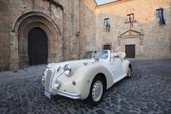 Weinlese-Hochzeits-Auto Lizenzfreies Stockbild