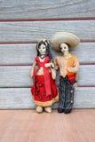 Weinlese-mexikanische Paar-Stoff-Puppen Stockbilder