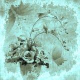Weinlese mit Blumen mit Schmetterlingshintergrund Stockfoto