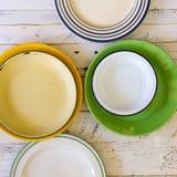 Weinlese-Platten sortierten keramisches Tin China Color Pattern White-Ba Stockfoto